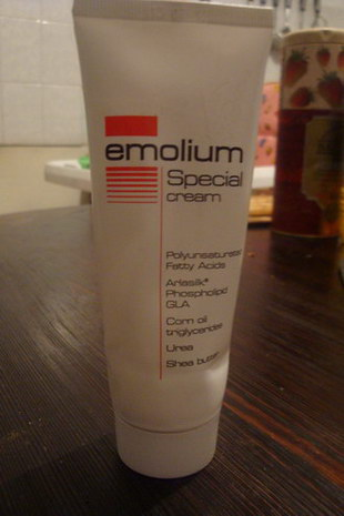 Специальный крем для тела Emolium